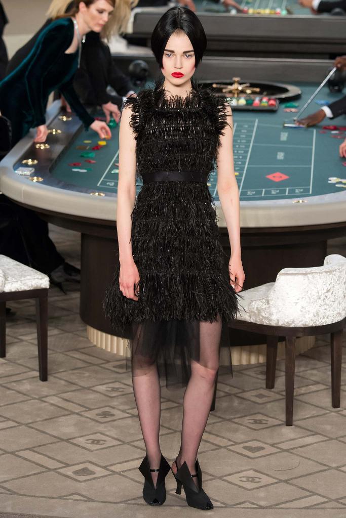 chanel-couture-fw15-runway-paris-look-44