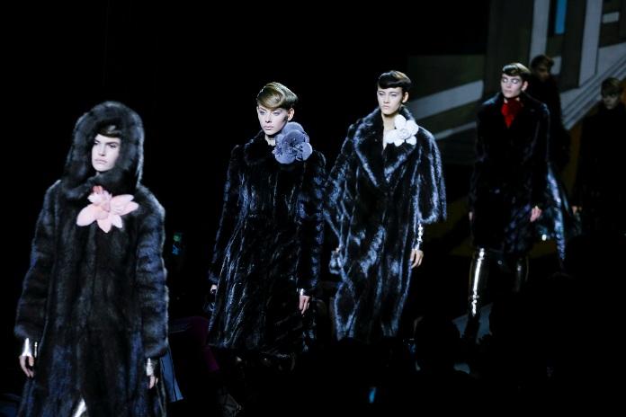 fendi-fw15-fur-couture-runway-paris (1)
