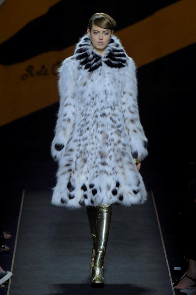 fendi-fw15-fur-couture-runway-paris (2)