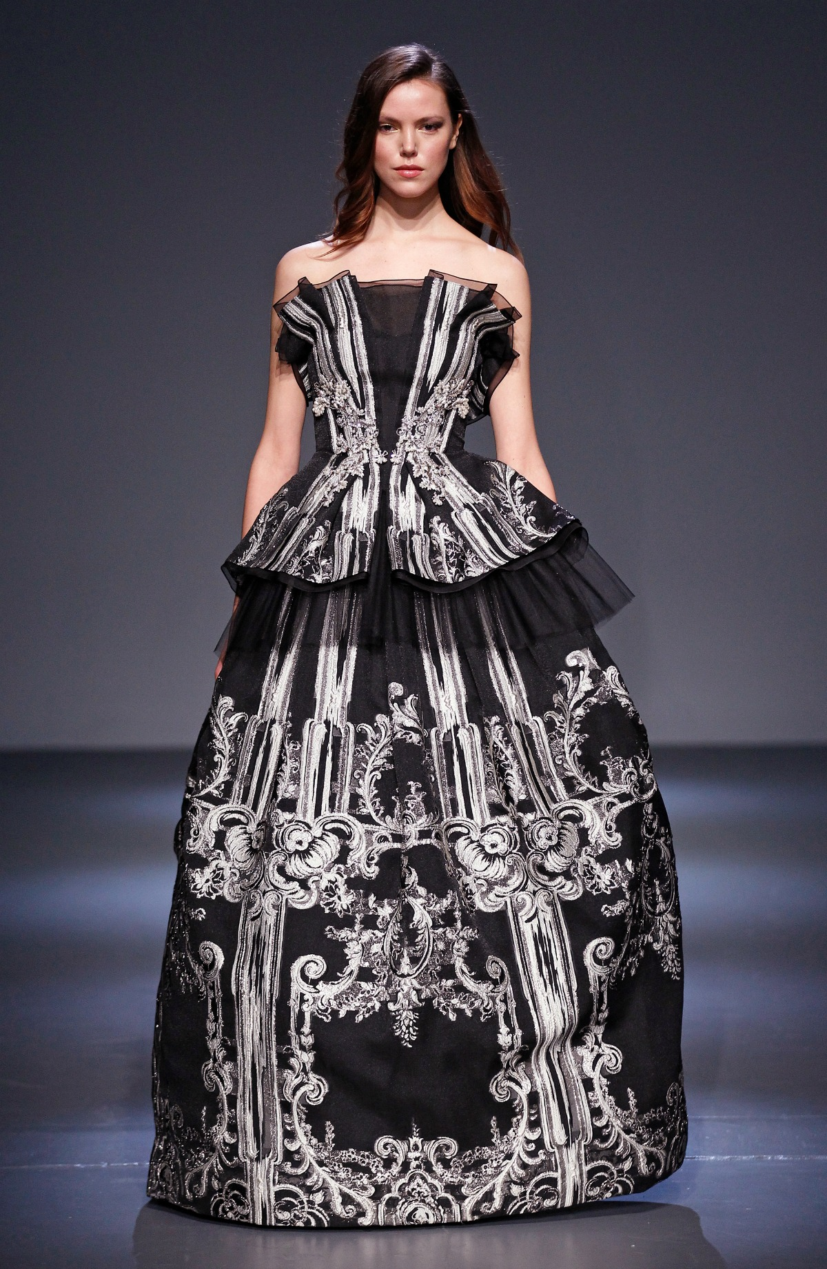 Pamella Roland Fall 2018 Runway I Black and White Baroque Ballgown #NYFW #DesignerFashion