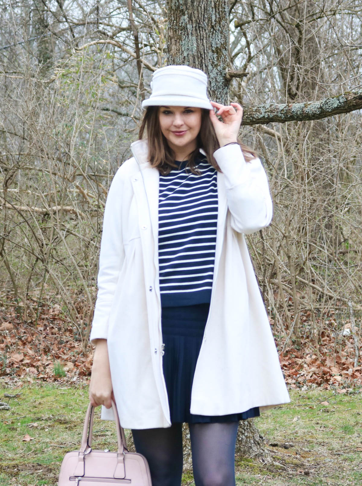 Early Spring Style Ideas I Winter Whites Over Navy Stripes with Blush Pink Handbag #OOTD #SpringStyle