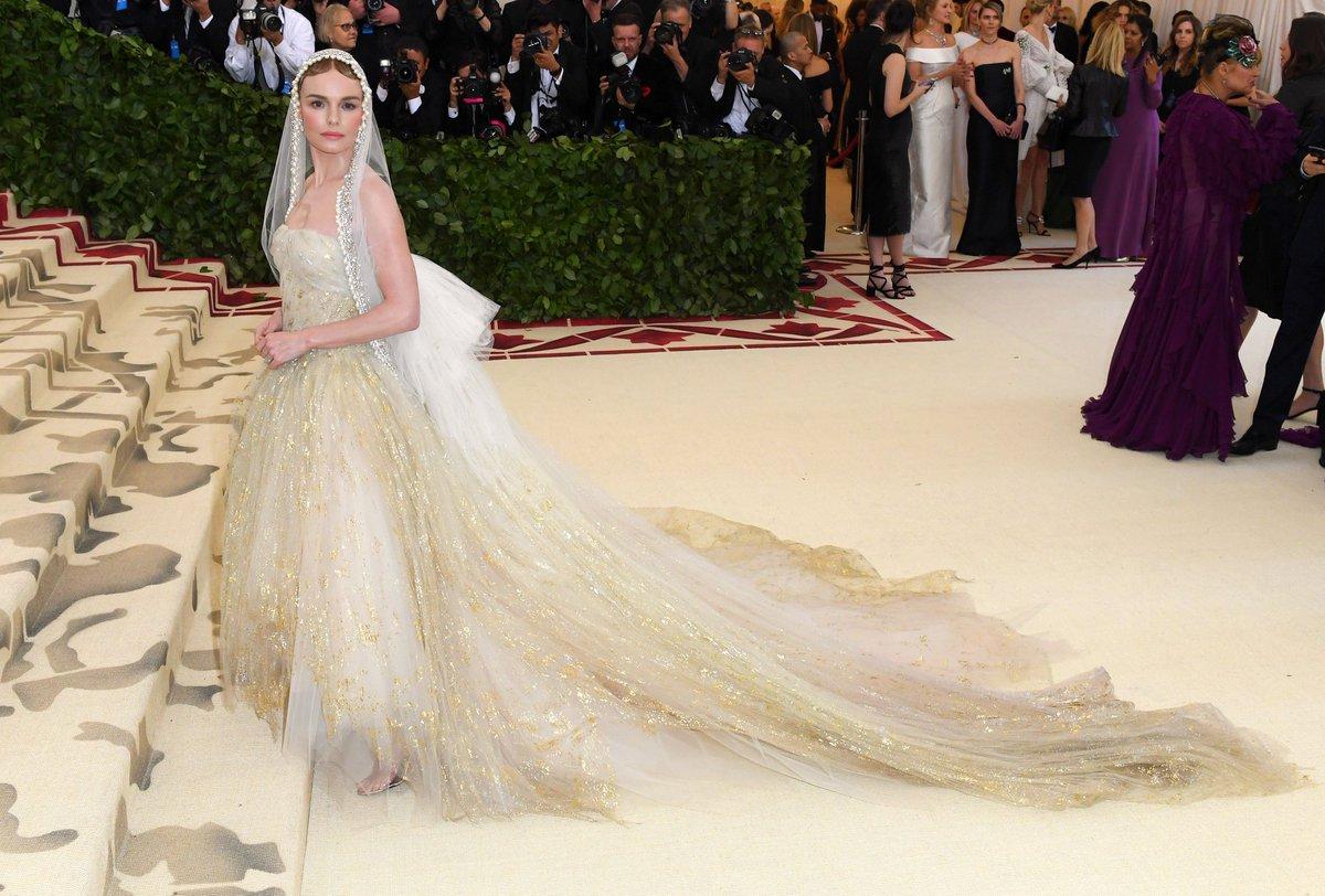 2018 Met Gala Red Carpet I Kate Bosworth in Oscar de la Renta #MetGala #KateBosworth