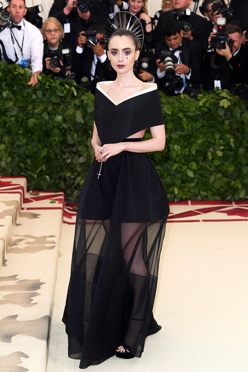 2018 Met Gala Red Carpet I Lily Collins in Givenchy #MetGala #LilyCollins
