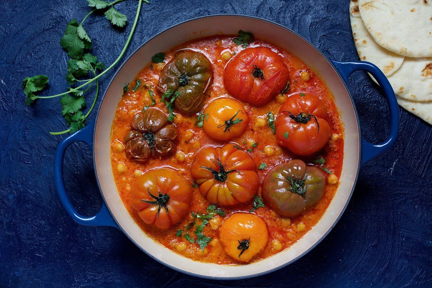 Vegan Summer Recipes I Roasted Tomato Chickpea Curry #Vegan #Curry #SummerRecipe
