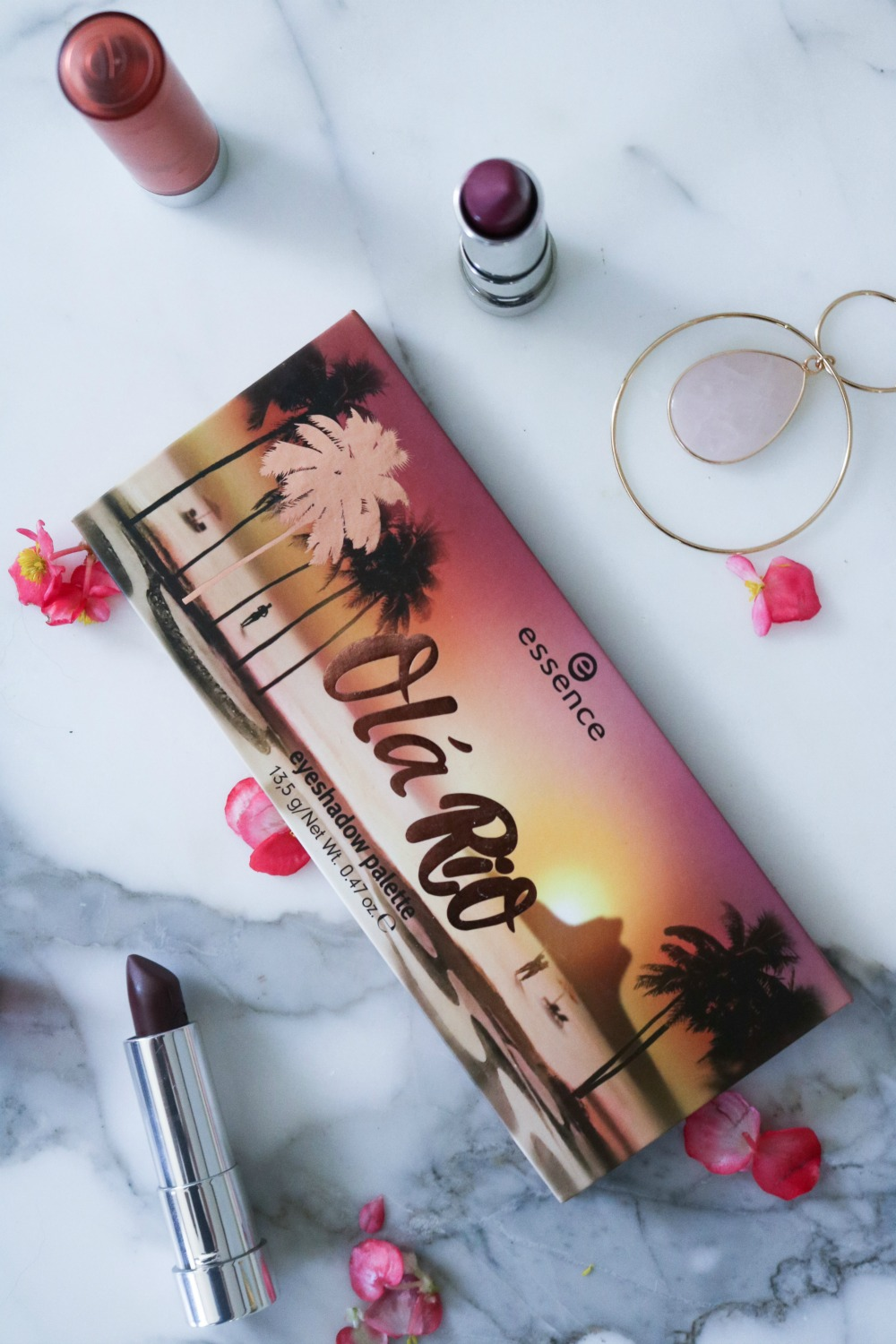 Essence Ola Rio Eyeshadow Palette Review I DreaminLace.com #DrugstoreMakeup #BeautyBlogger