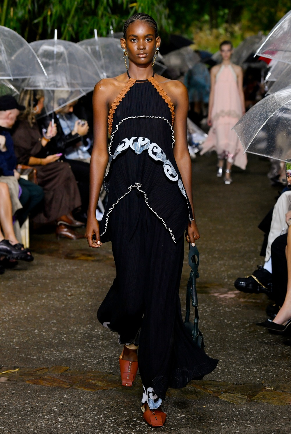 Lanvin Spring 2020 Collection Runway at Paris Fashion Week I DreaminLacde.com #designerfashion #fashionweek #highfashion #Lanvin
