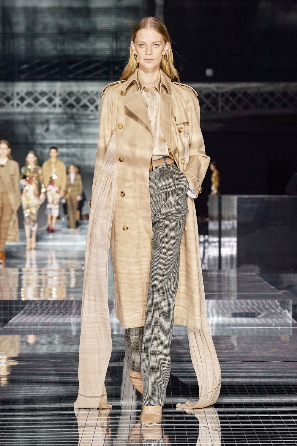 Best LFW Runway Looks I Burberry Fall 2020 Collection by Riccardo Tisci