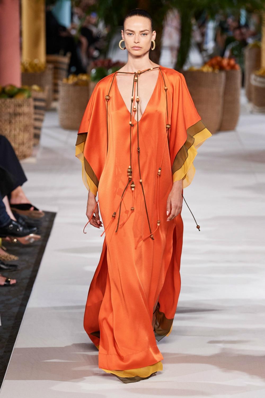 Spring 2020 Trends I Caftan dress on the Oscar de la Renta Runway