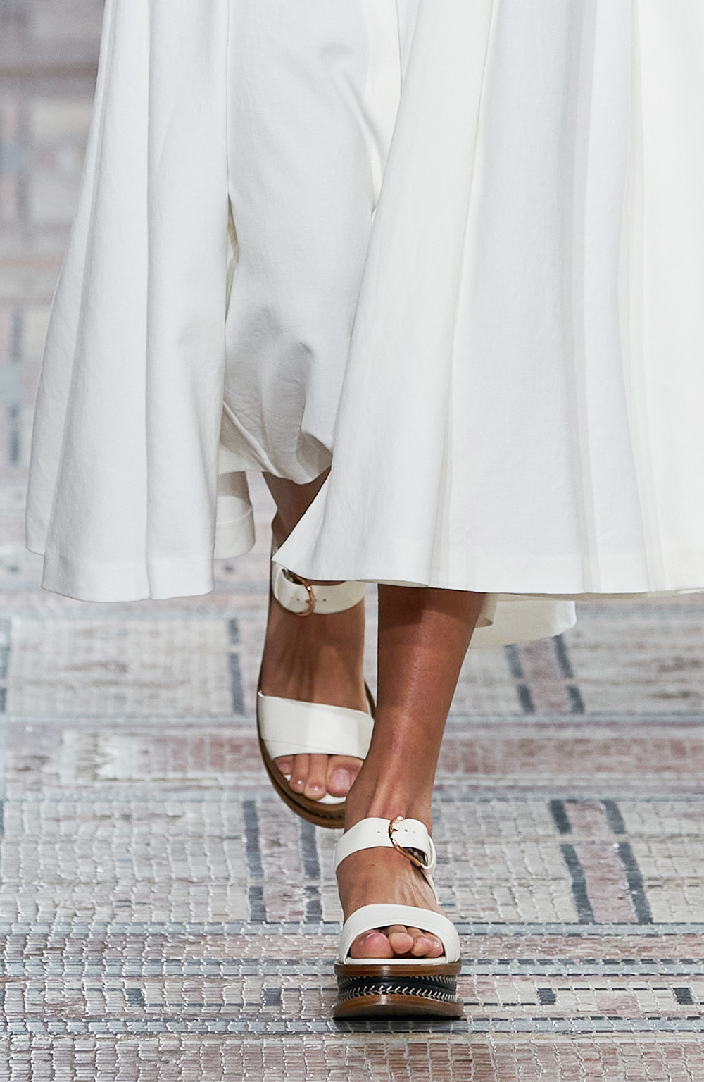 Best Spring 2021 Sandals I Gabriela Hearst Runway at New York Fashion Week #springstyle #fashionstyle #fashionista