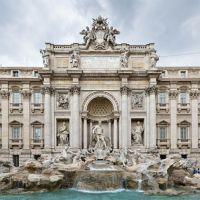 запрет останавливаться у фонтана Треви в Риме