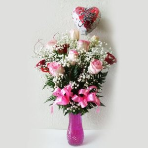 Dream Makers Florist 10 Roses in a vase