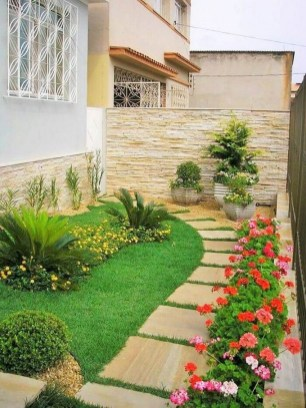 57 Impressive Front Garden Design Ideas To Try In Your Home 19