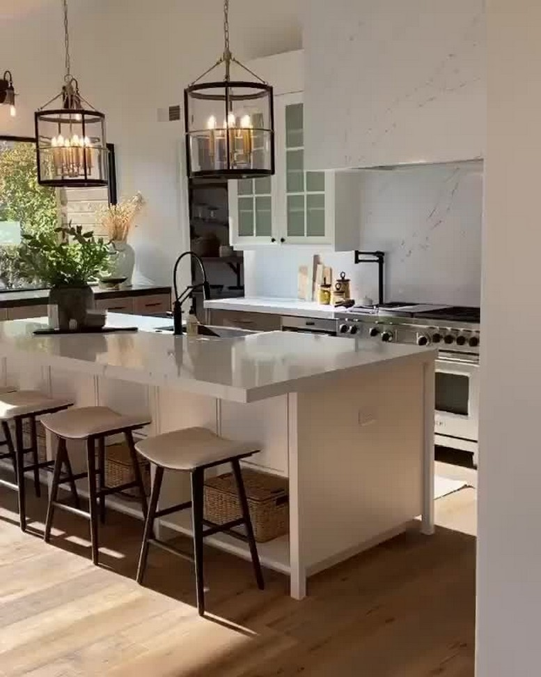58 Kitchen Island Ideas To Add That Perfect Blend Of Drama Design Hike N Dip 3