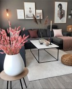 71 Inspiring Living Room Wall Decoration Ideas You Can Try 26