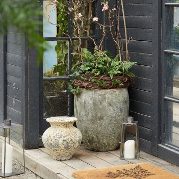 38 Farmhouse Style Front Porch Ideas 26