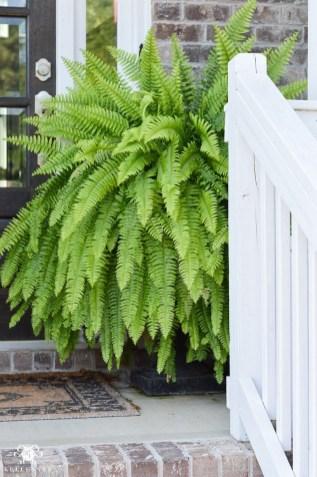 38 Farmhouse Style Front Porch Ideas 28