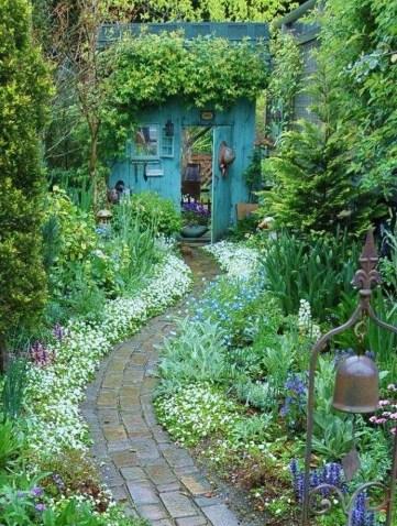 39 Inspired Garden Gates For A Beautiful Backyard 13