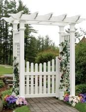 39 Inspired Garden Gates For A Beautiful Backyard 15