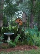 39 Inspired Garden Gates For A Beautiful Backyard 16