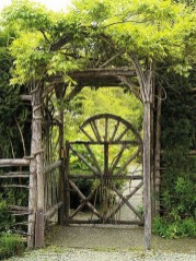 39 Inspired Garden Gates For A Beautiful Backyard 27
