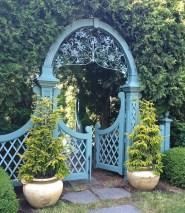 39 Inspired Garden Gates For A Beautiful Backyard 9