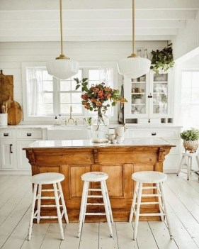 42 Stunning French Country Kitchen Decor Ideas 18
