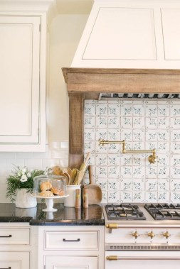 42 Stunning French Country Kitchen Decor Ideas 35