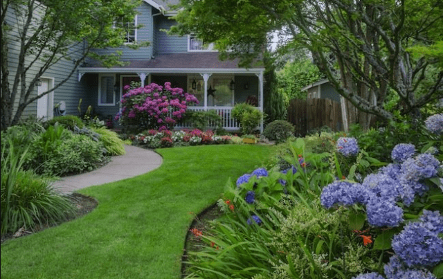 40 Best Driveway Landscaping Ideas-Home Exterior Designs