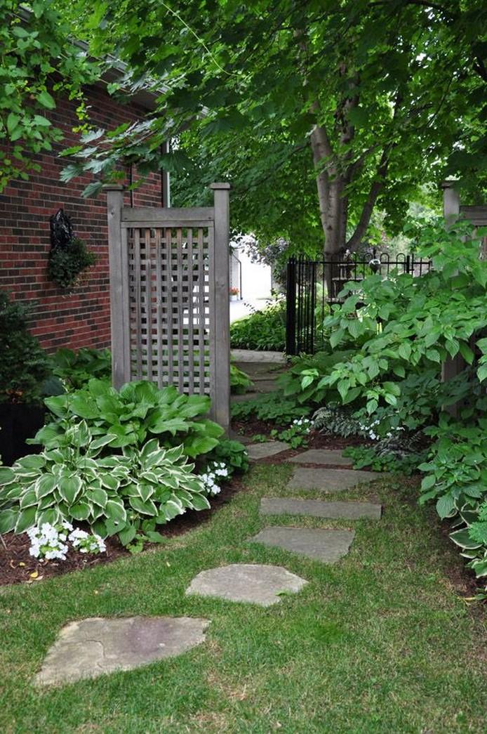 10 Gorgeous Garden Gate Home Decor 18