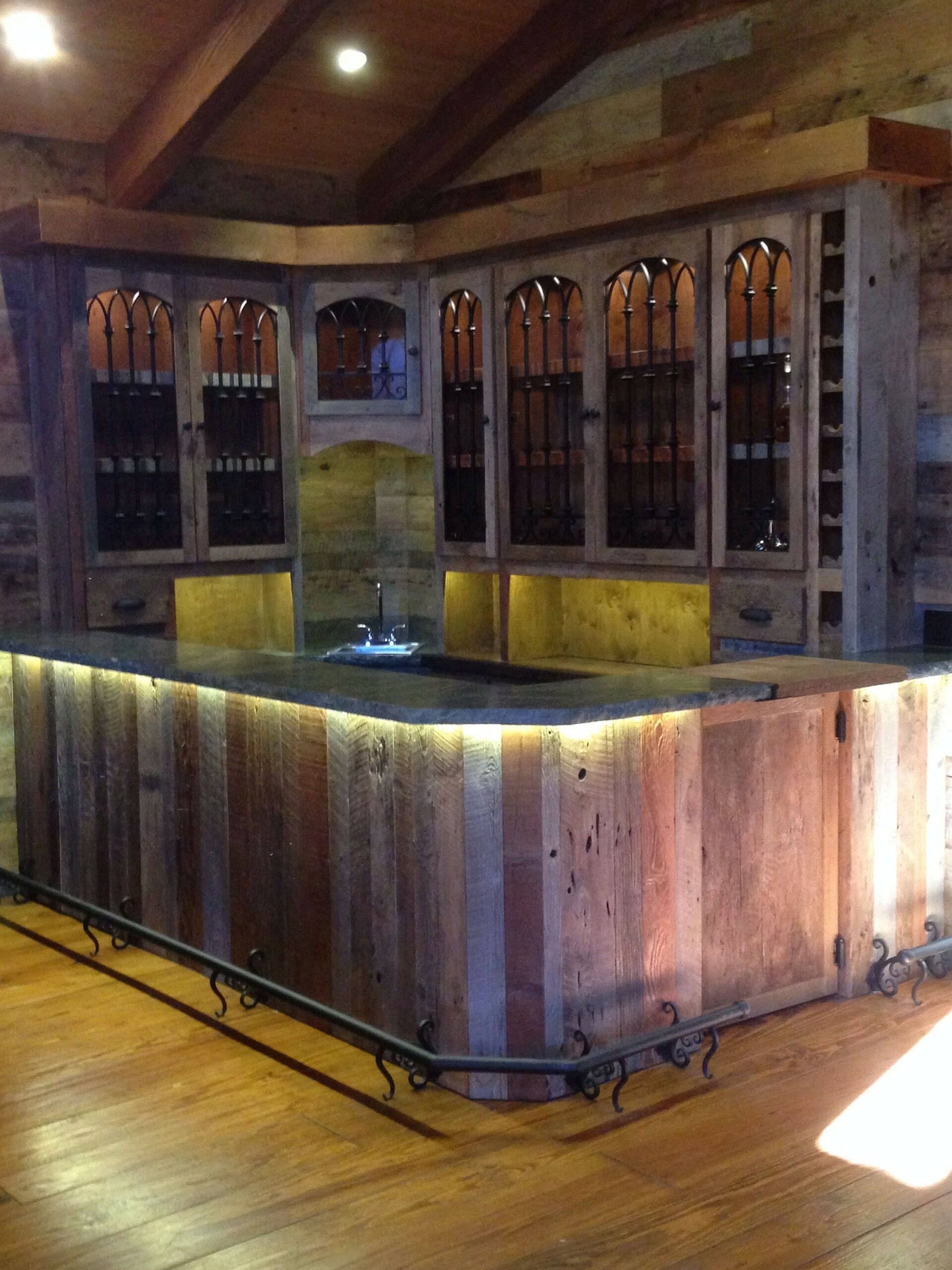 60 Man Cave Bar Ideas To Slake Your Thirst 25