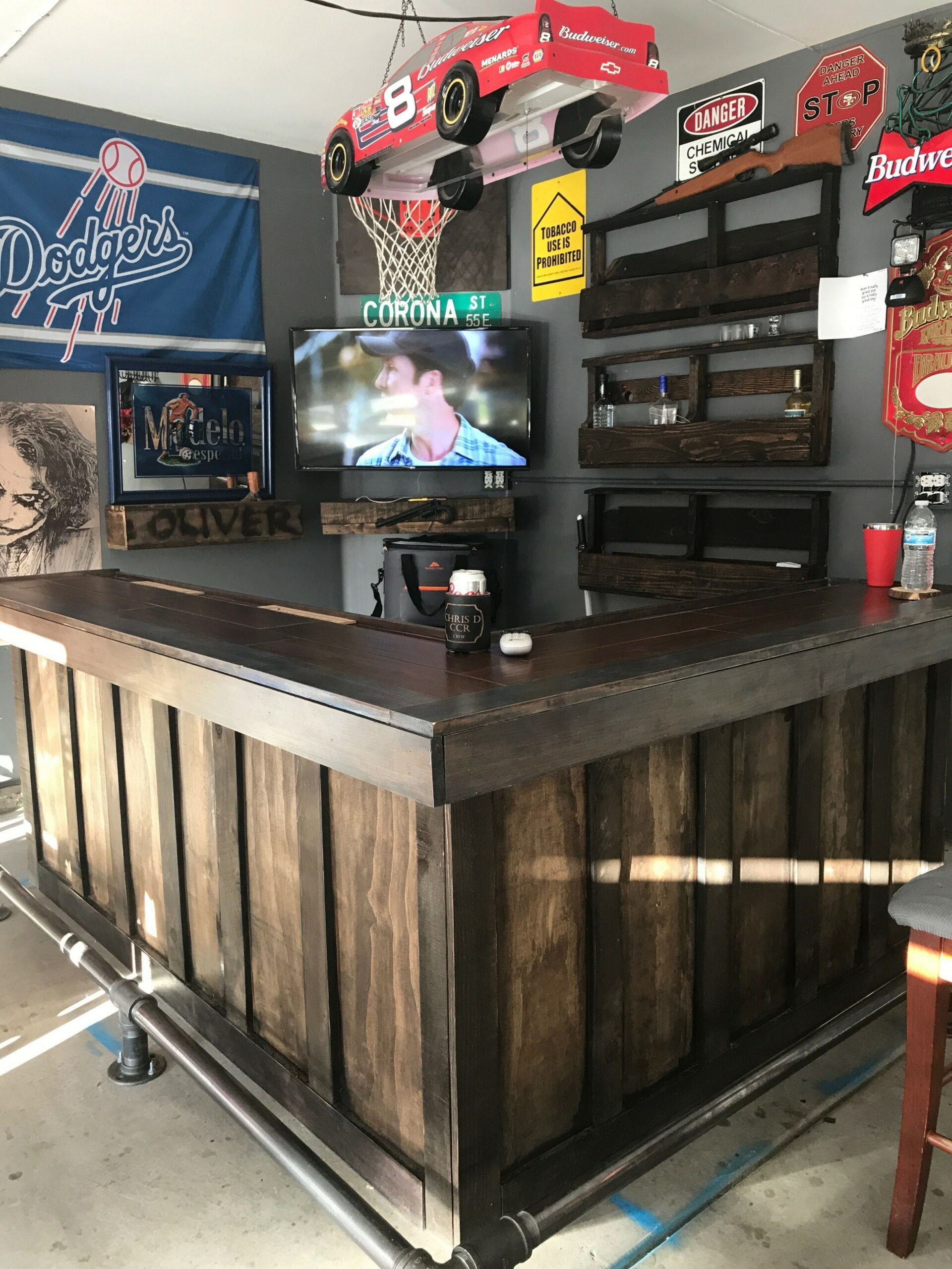 60 Man Cave Bar Ideas To Slake Your Thirst 31