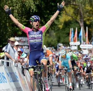 Diego Ulissi wins stage 2