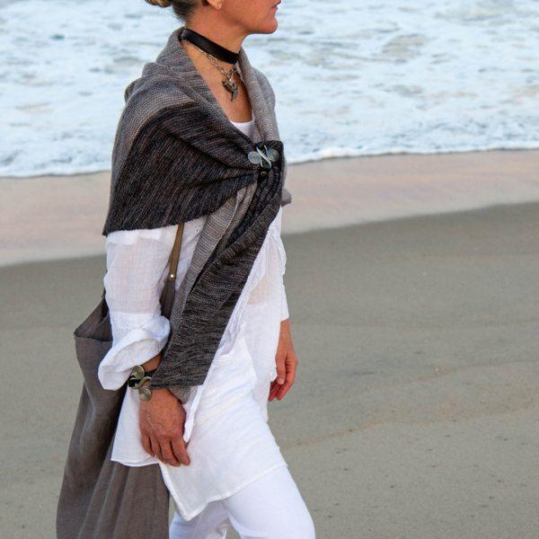 JUL Women's Wealth Single-Wrap Double-Snap Cuff, Dream Weaver Yarns LLC