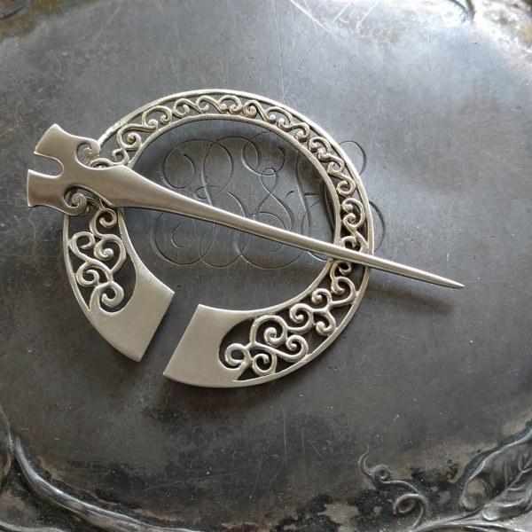 JUL Runa Penannular Brooch, Dream Weaver Yarns LLC