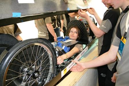 DTU-driver Sara bag rattet på prototypen der senere blev bedste brintbil på ecomarathon. TILYKKE DTU!