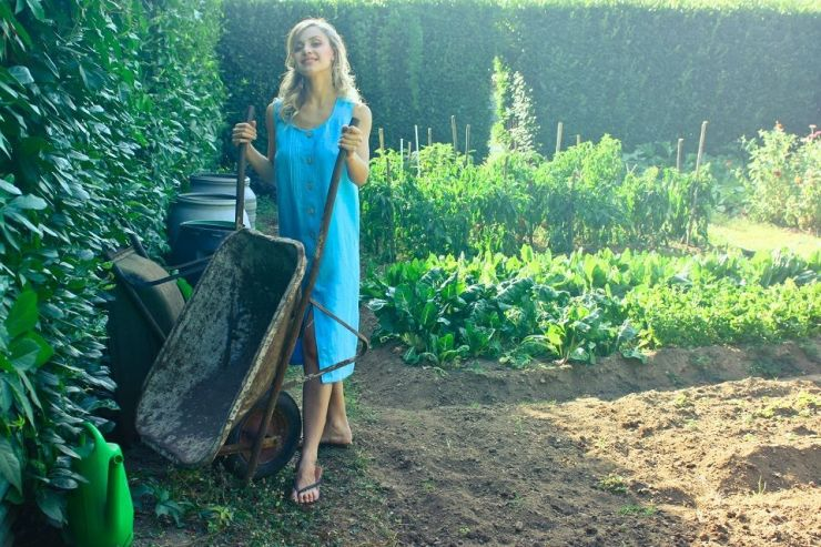21 Simple Farm Tools and Items You Should Own