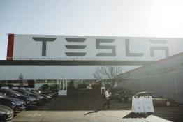 Tesla Fabrik in Fremont, CA