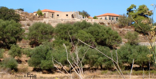 view to a very old estate house from the 18th century in Riphi
