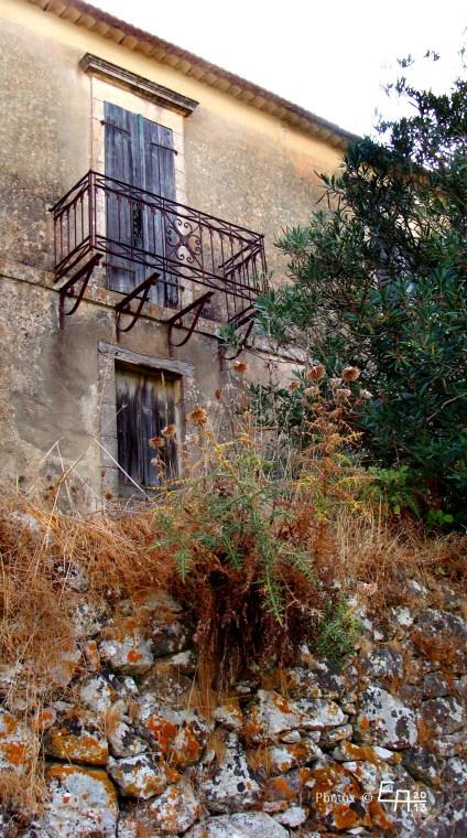 abandoned house in Kalata