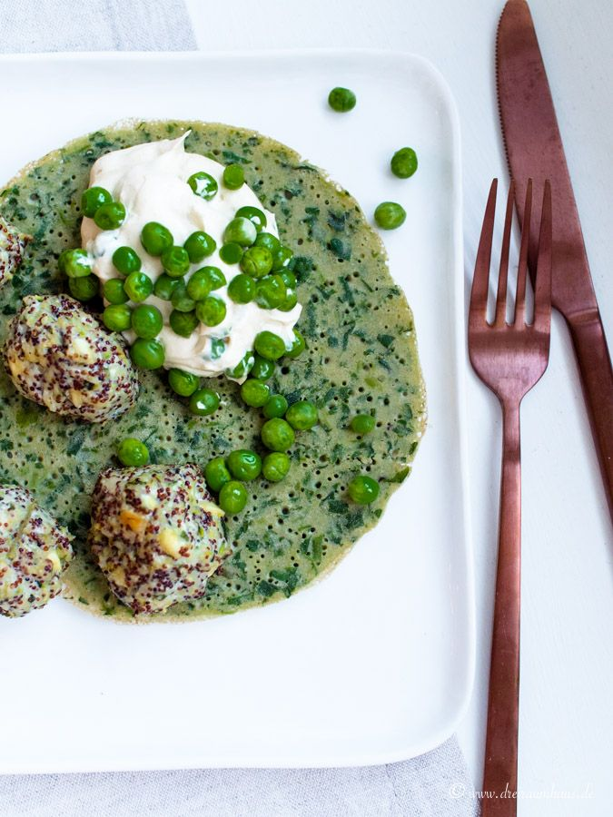 dreiraumhaus - heute gibt es ein Rezept inspiriert von Donna Hay's Life in Balance und sogar hCG Diät-konform - Hackbällchen aus Hühnchen, Quinoa und Feta mit Spinat-Crepes - der Food, Travel- und Lifestyleblog aus Leipzig