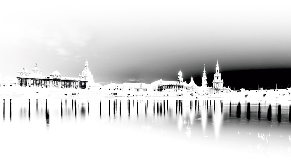 """Dresden Skyline auf dem Buchumschlag zu Peter Richters """"Dresden Revisited"""""""