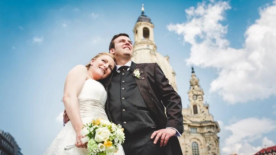 Brautpaar vor der Frauenkirche in Dresden