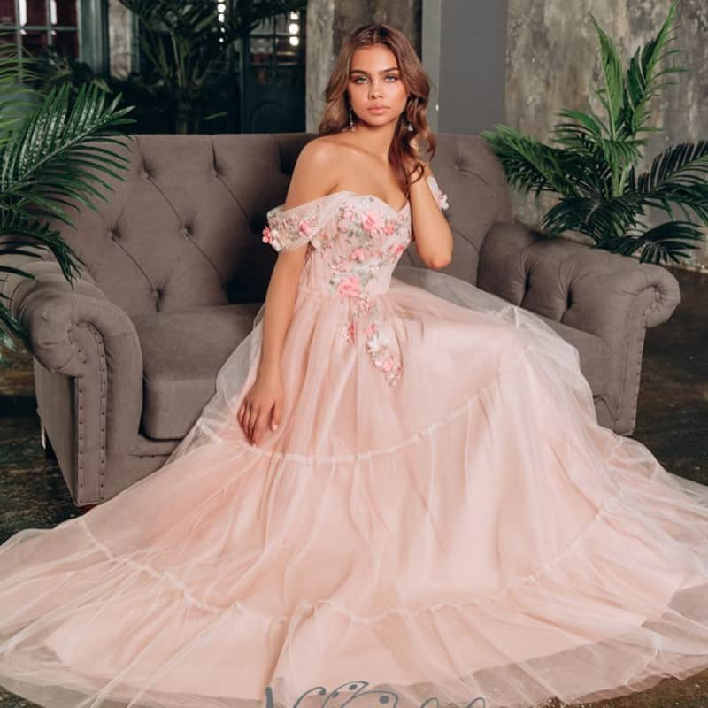 Bridesmaid Dresses 2021: The Stylish Trends From Bridal ...