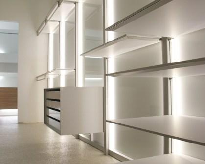 inloopdressing op maat met aluminium en wit glas