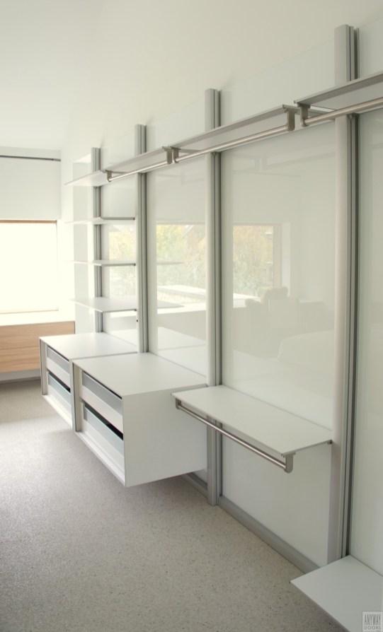 Witte inloopkast slaapkamer - DRESS A WAY