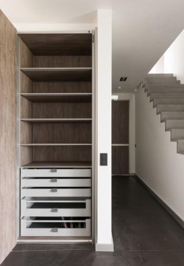 inbouwkasten op maat met donker hout imitatie
