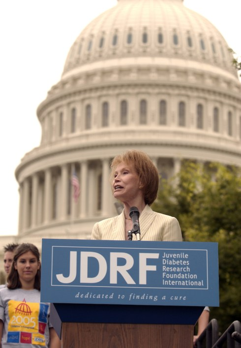 International chairman of the Juvenile Diabetes Research Foundation International (JDRF) Children's Congress 2005, Mary Tyler Moore speaks to child delegates and parents on the West Front of the Captiol, to kick off awareness activities in D.C. She testify before a Senate hearing, tomorrow (Tuesday 6/21) with 150 child delegates that traveled to D.C. to remind Congress and the Administration of the critical need to find a cure for the disease.