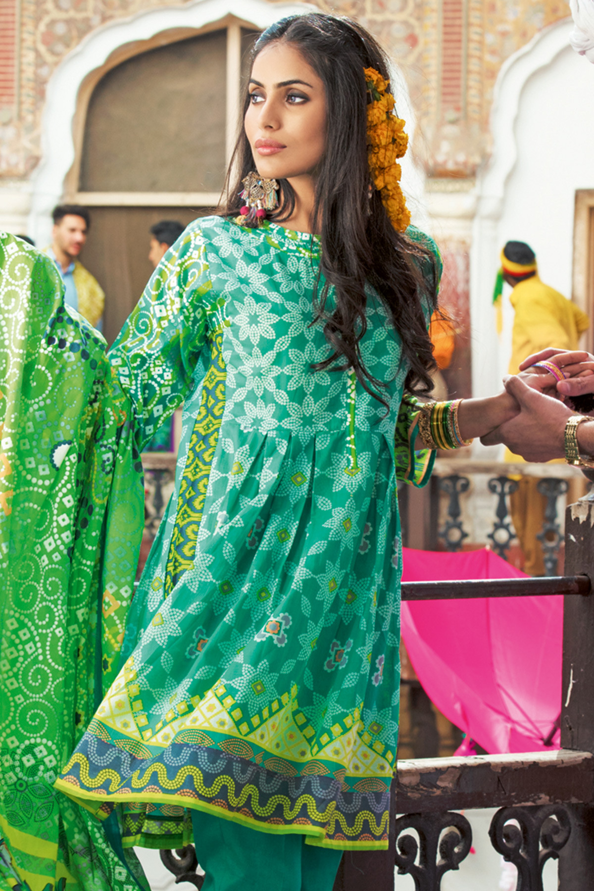 Gul Ahmed Summer Dresses 2018 Premium Amp Essential Lawn