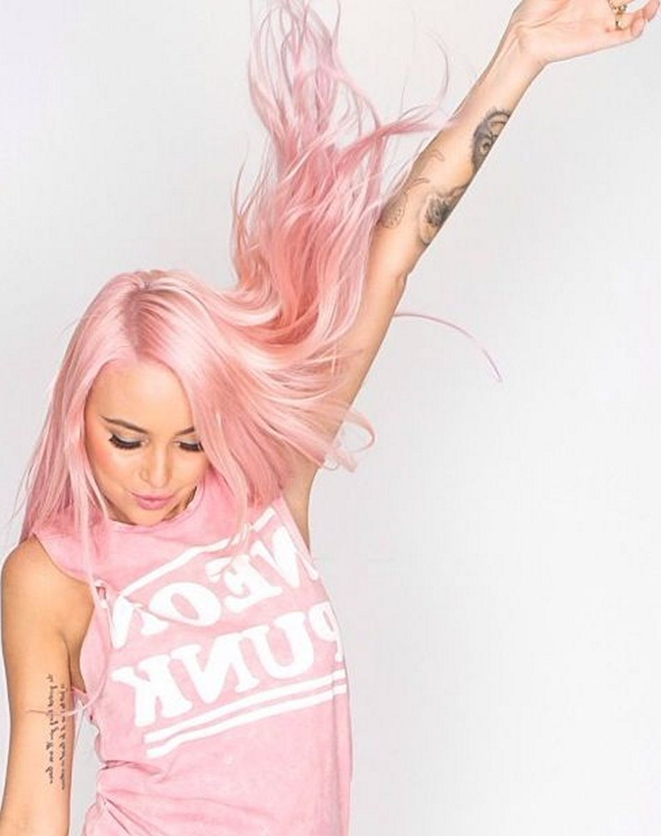 Colorful pink hairstyles (32)