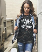 Denim jacket for women street style ideas (27)